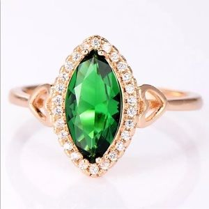 Jewelry - 18k yellow gold emerald engagement wedding ring